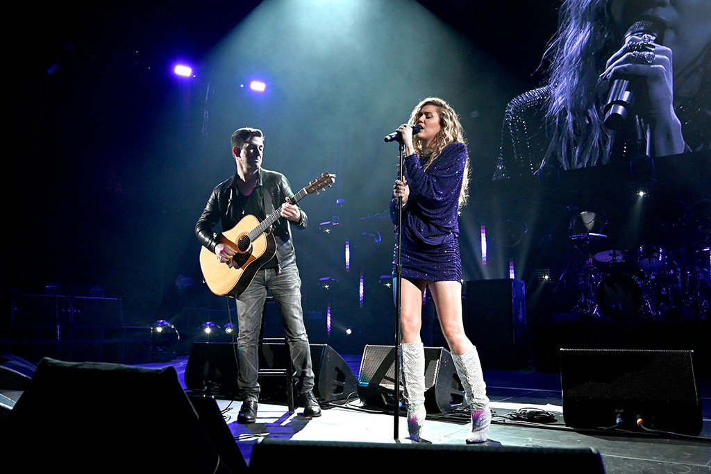 Miley Cyrus, Chris Cornell Tribute Concert