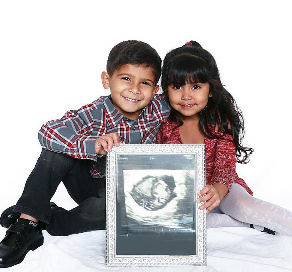 The Surprising News About Childrens >> Aw Snooki S Kids Hold A Sonogram Of Baby No 3 In This Cute Photo
