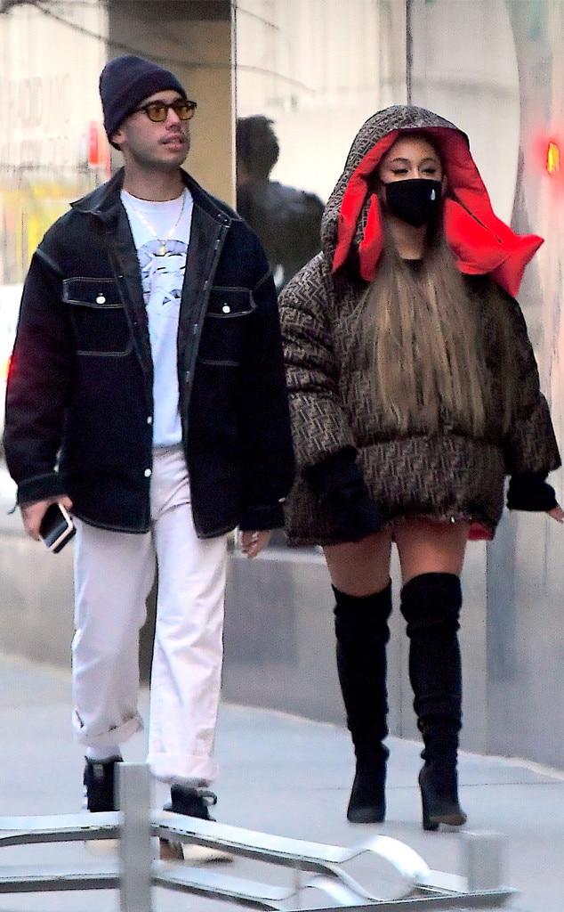 är Ariana Grande dating någon