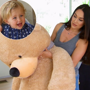 Brie Bella, Birdie Joe Danielson, Total Bellas 403