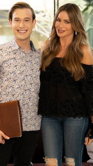Hollywood Medium With Tyler Henry, Sofia Vergara