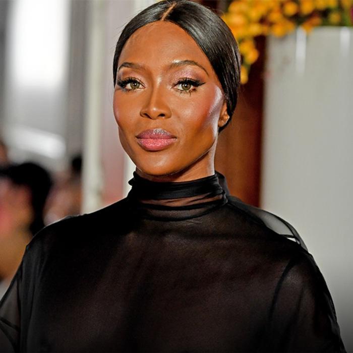 053f0828877 Naomi Campbell fait un retour saisissant au défilé Valentino après 14 ans  d absence