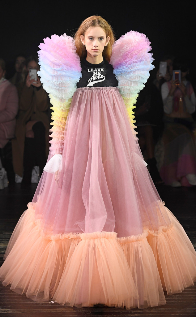 Viktor Rolf S New Collection Is A Major Mood At Fashion Week E Online