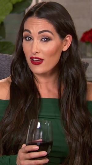 Nikki Bella, Total Bellas 403
