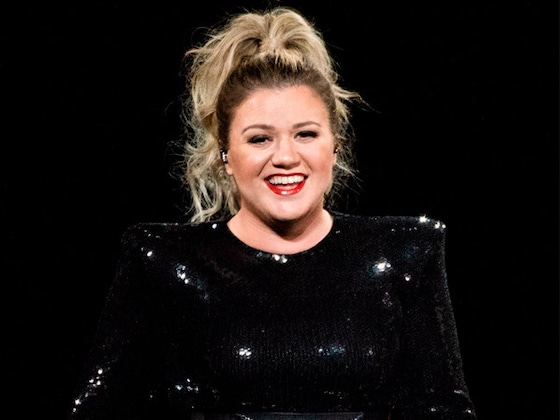 "Kelly Clarkson's Cover of Lady Gaga and Bradley Cooper's ""Shallow"" Will Give You Chills"