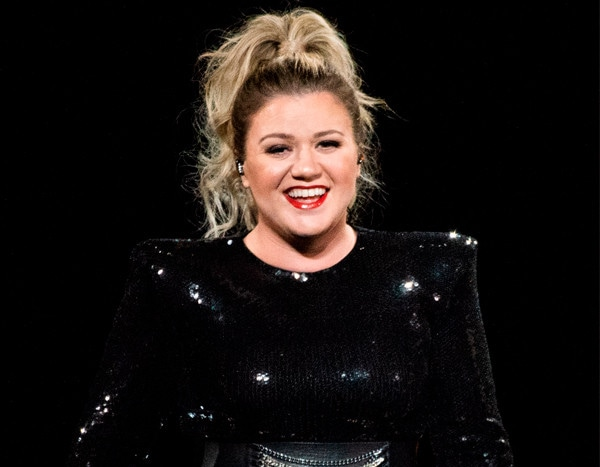 Kelly Clarkson's Cover of Lady Gaga and Bradley Cooper's