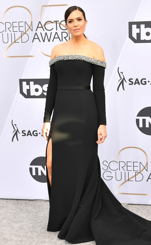 Mandy Moore, 2019 SAG Awards, Red Carpet Fashions