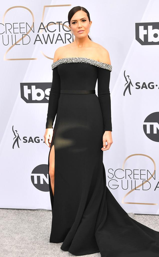 Mandy Moore, 2019 SAG Awards, Red Carpet Fashions