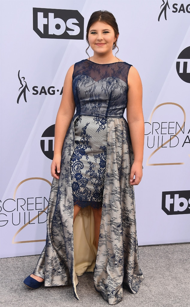 "Mackenzie Hancsicsak -  The  This is Us  actress  attended the 2019 SAG Awards  and sold girl scout cookies to the audience! Before the event, she had said she would be wearing ""a blue dress"" with ""Thin Mint cookies in my purse."""
