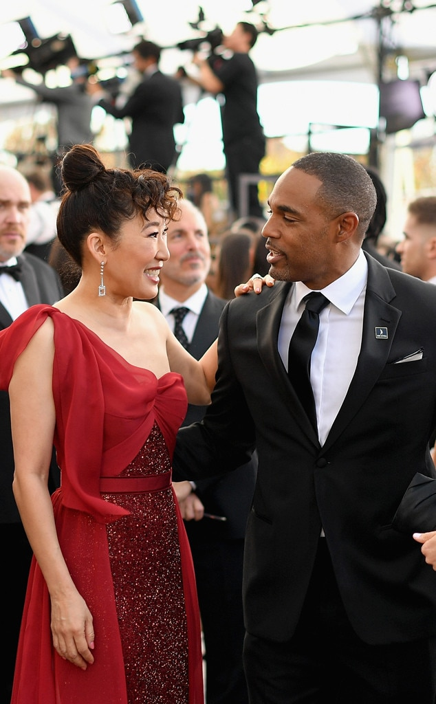 Sandra Oh & Jason Winston George -  We loved seeing this  Grey's Anatomy  reunion on the red carpet.