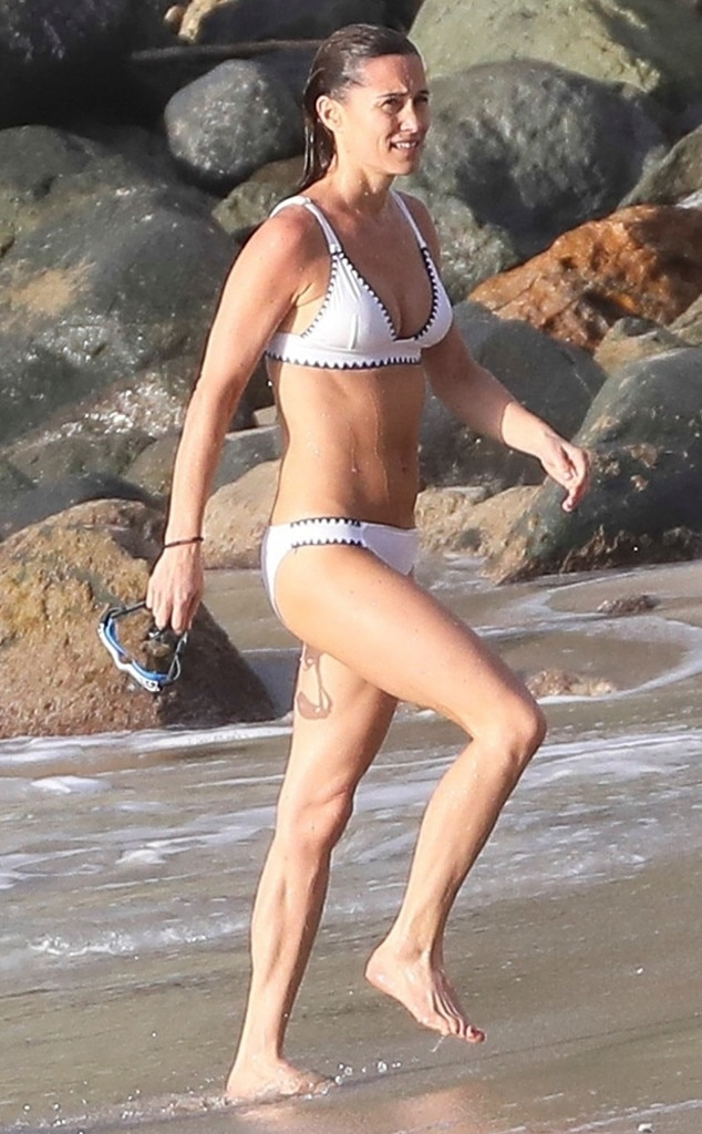 After In Abs Pippa A Bikini 2 Giving Bares Her Months Middleton CxBrthsQd