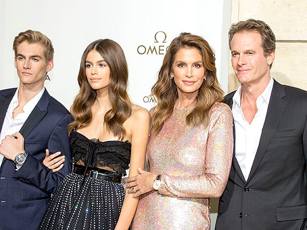 Cindy Crawford and Rande Gerber Are ''Concerned'' For Son Presley After He Reveals Face Tattoo