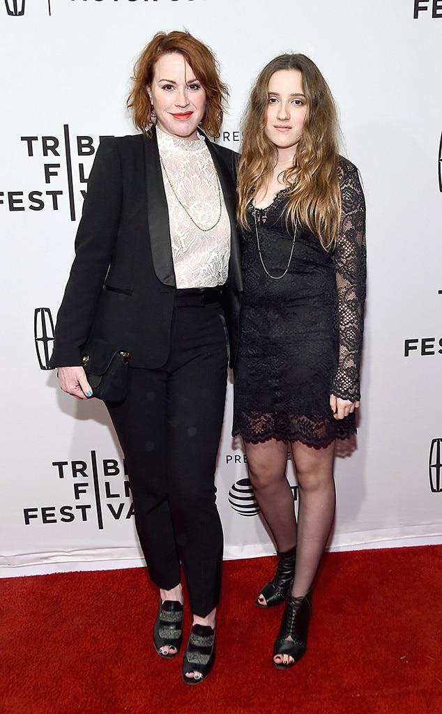 Delilah Belle Hamlin & Amelia Gray Hamlin from Look-Alike