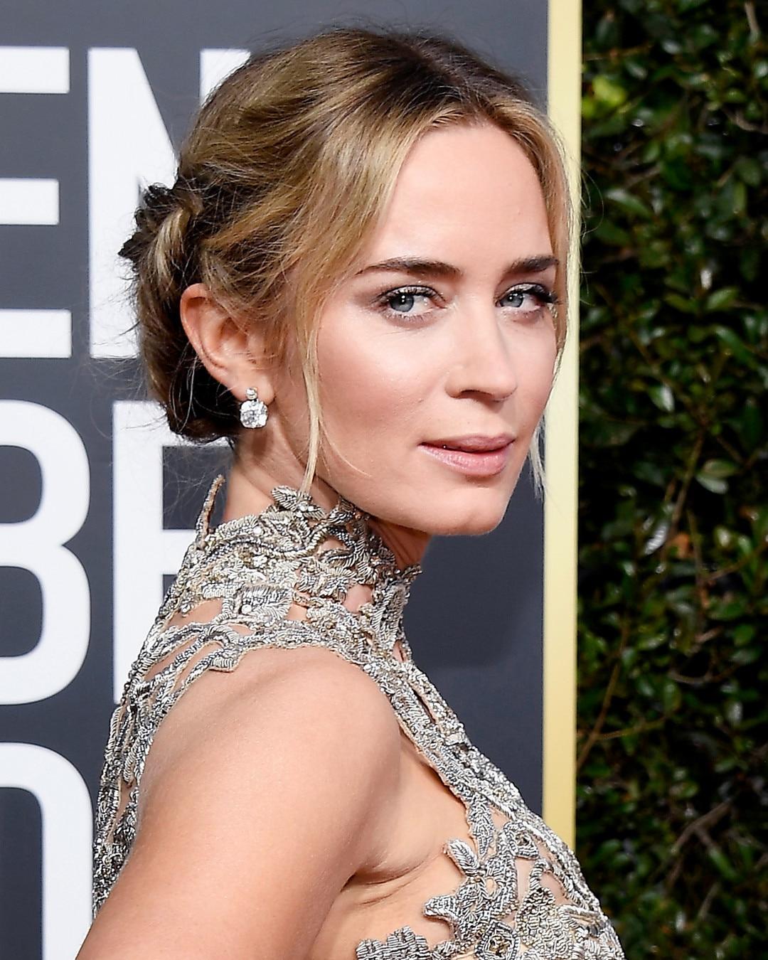 Emily Blunt's Makeup from Golden Globes 2019: Best Beauty ...