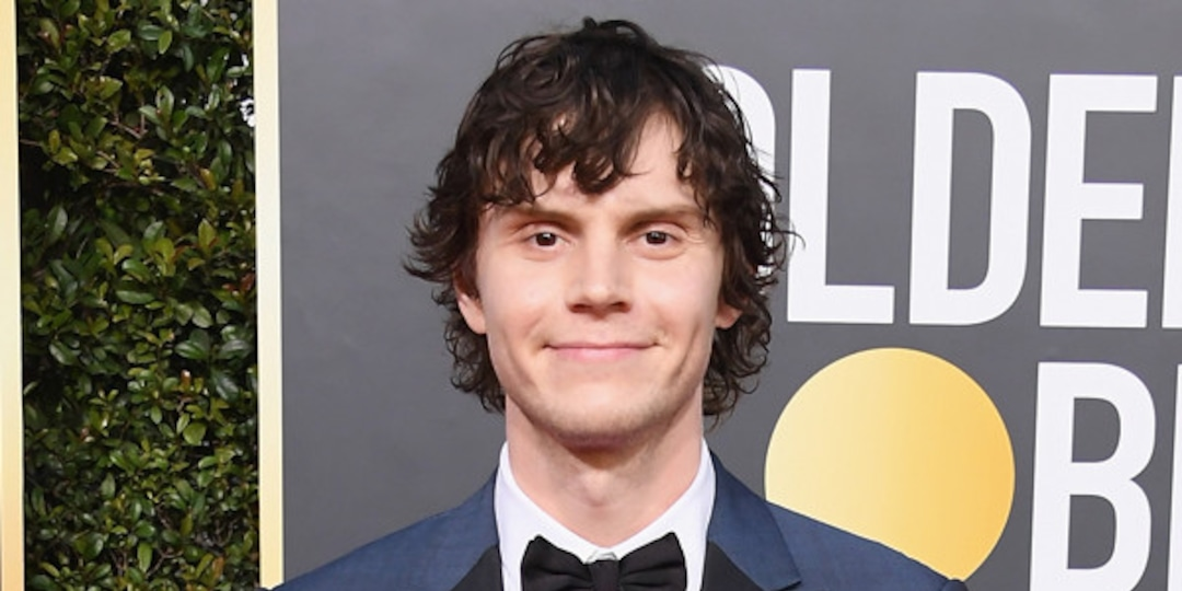 See Evan Peters Become Jeffrey Dahmer in First Photo From Netflix's Monster - E! Online.jpg