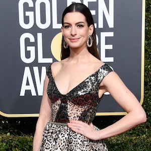 Anne Hathaway, 2019 Golden Globes, Golden Globe Awards, Red Carpet Fashions