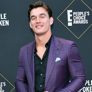 Tyler Cameron, 2019 E! People's Choice Awards, Red Carpet Fashion