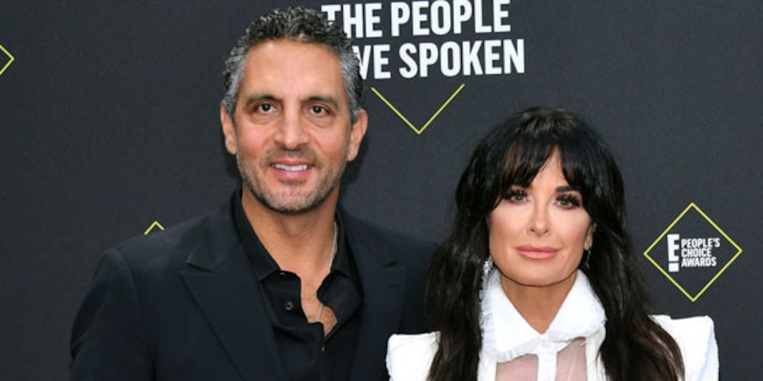 Here's Why Kyle Richards' Husband Might Not Be Able to Handle Her New Movie Halloween Kills - E! Online.jpg
