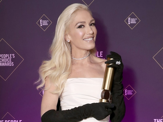 Gwen Stefani Sets the Record Straight on <i>That</i> Diamond Ring at 2019 People's Choice Awards