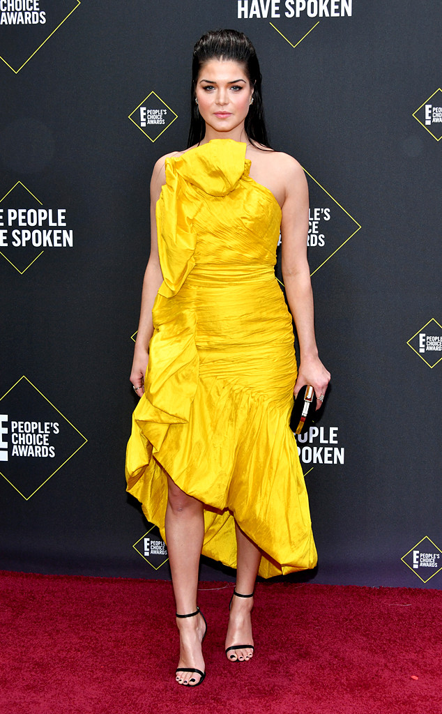 Marie Avgeropoulos, 2019 E! People's Choice Awards, Red Carpet Fashion