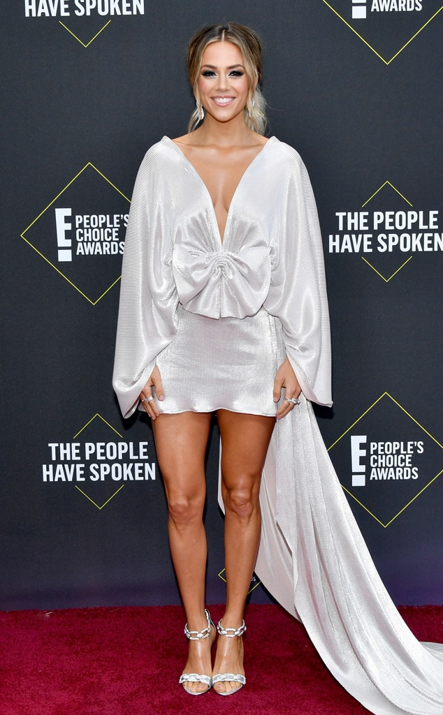 Jana Kramer, 2019 E! People's Choice Awards, Red Carpet Fashion