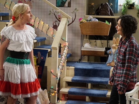 It's Becky vs. Darlene As <i>The Conners</i>' Quest to Bring the Lunch Box Back Hits a Snag
