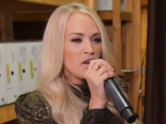 Watch Carrie Underwood Hilariously Prank—And Serenade—Nashville Shoppers