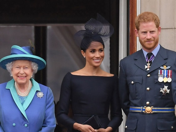 Meghan Markle and Prince Harry to Lose HRH Titles as Queen Announces Split Deal