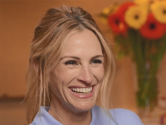 """Jason Kennedy Revisits """"Best Memories"""" With Julia Roberts on <i>E! News</i>"""