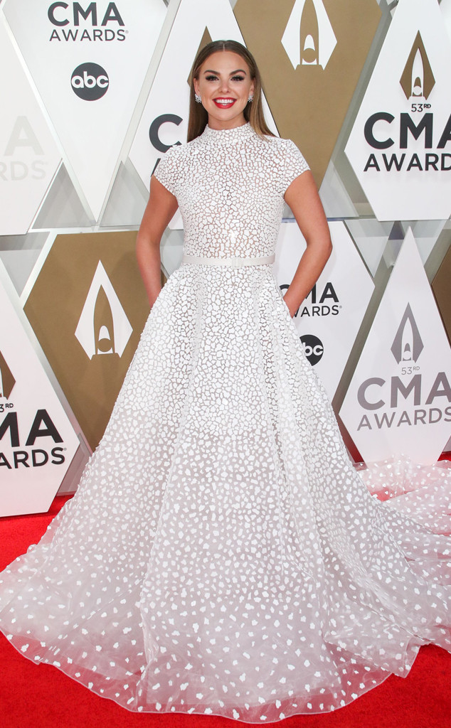 Hannah Brown, 2019 CMA Awards, Red Carpet Fashion