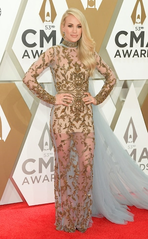 Carrie Underwood, 2019 CMA Awards, Red Carpet Fashion
