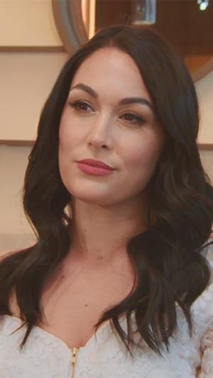 Nikki Bella, Brie Bella, Total Divas 908
