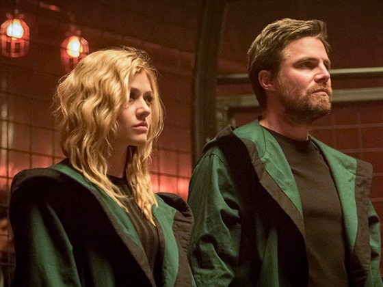 <i>Arrow</i>'s Katherine McNamara Digs Deep Into Oliver and Mia's Father/Daughter Relationship