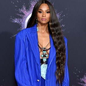 Ciara, 2019 American Music Awards, Red Carpet Fashion