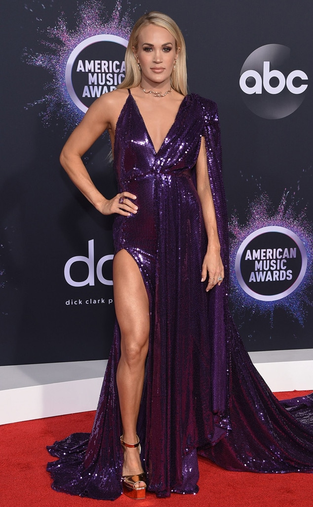 Carrie Underwood, 2019 American Music Awards, Red Carpet Fashion
