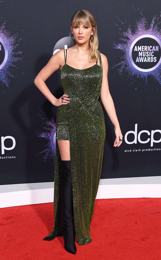 See All The American Music Awards 2019 Red Carpet Fashion Looks E Online