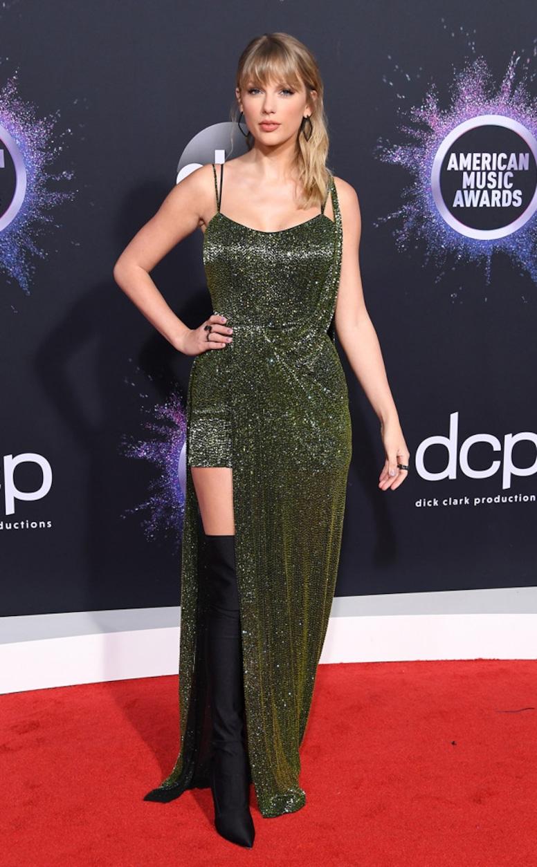 Taylor Swift, 2019 American Music Awards, Red Carpet Fashion