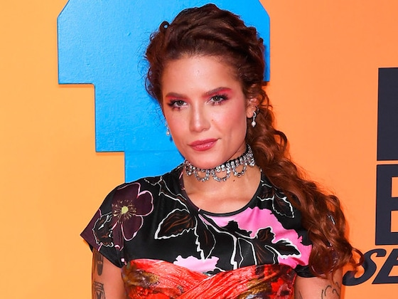 """Halsey Reacts to """"Sad"""" 2020 Grammys Snub: """"None Of It Matters"""""""