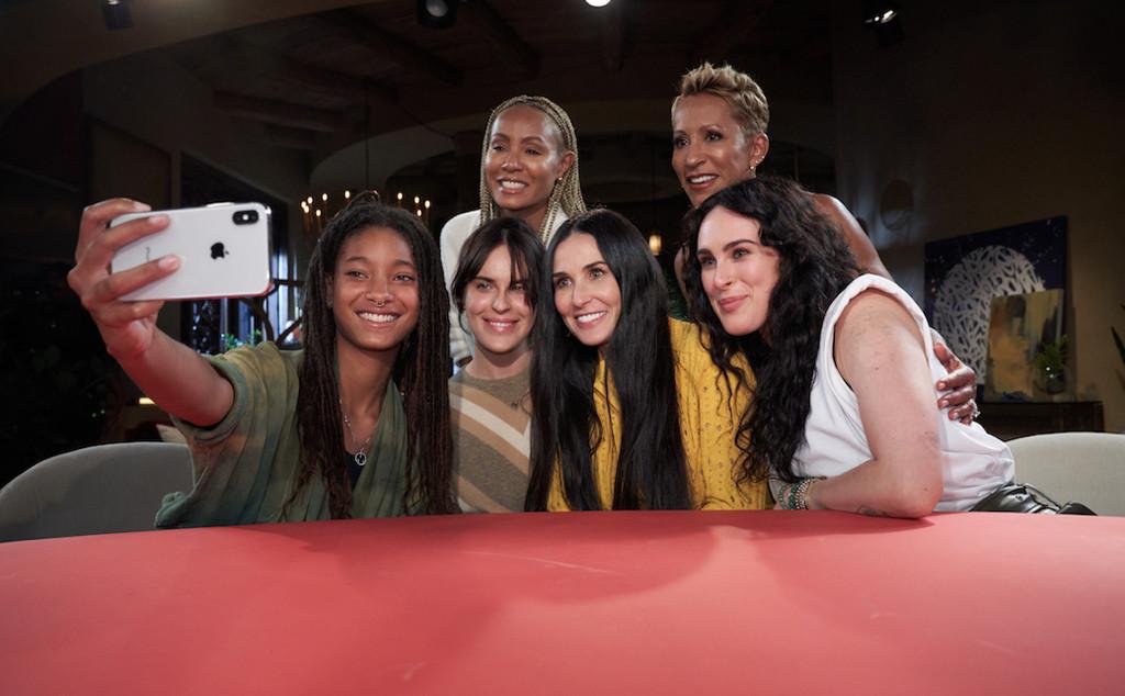 Willow Smith, Jada Pinkett Smith, Demi Moore, Tallulah Willis, Adrienne Banfield-Jones, Rumer Willis