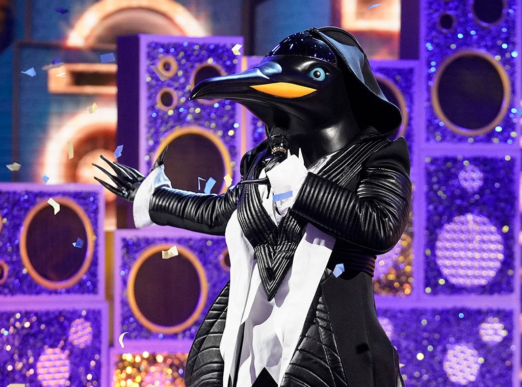 'The Masked Singer' penguin outsmarts Jenny McCarthy in 2-hour episode