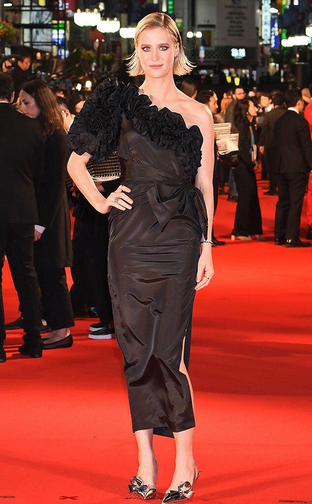 Mackenzie Davis, Fashion Police widget