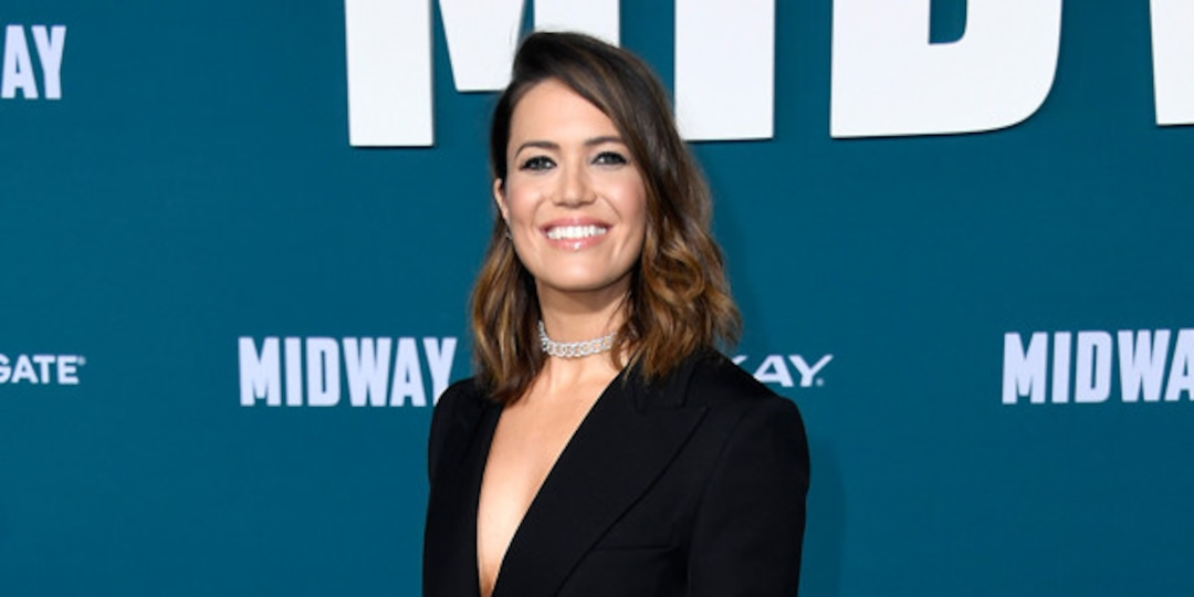 "Mandy Moore Jokes Baby Gus May ""Need Therapy"" as She Breastfeeds in This Is Us Makeup - E! Online.jpg"