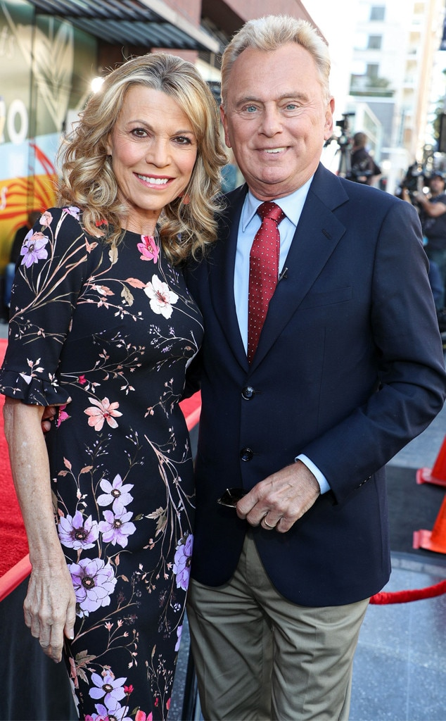 Vanna White Hosts Wheel Of Fortune As Pat Sajak Recovers From Surgery E Online