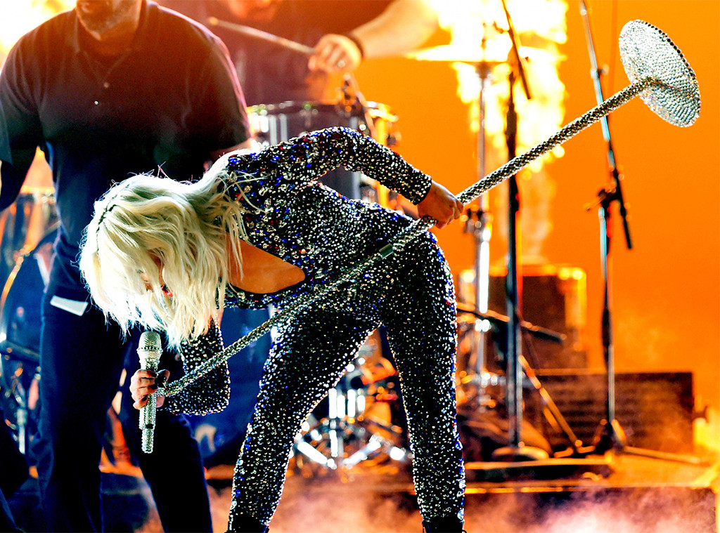 Lady Gaga Grammys 2019: Lady Gaga Rocks Grammys 2019 With Sizzling Performance Of