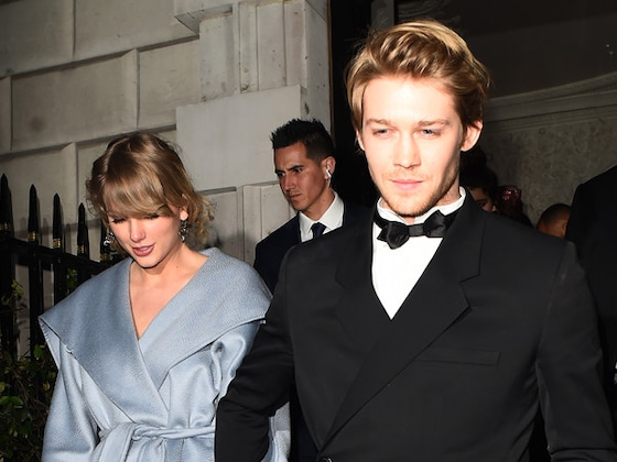 Taylor Swift et Joe Alwyn s'embrassent à l'after des BAFTA