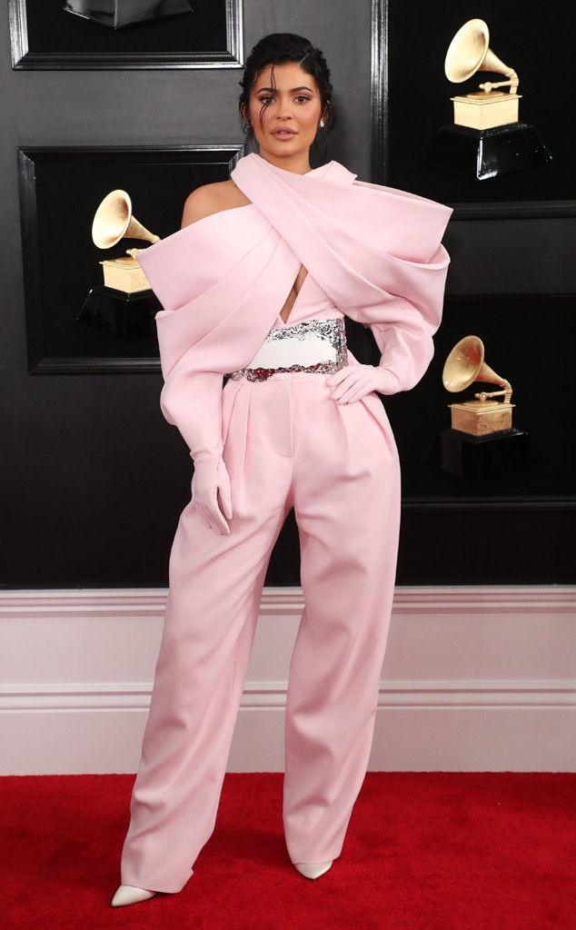 Kylie Jenner, 2019 Grammys, 2019 Grammy Awards, Red Carpet Fashions, Kardashian Widget, 2019
