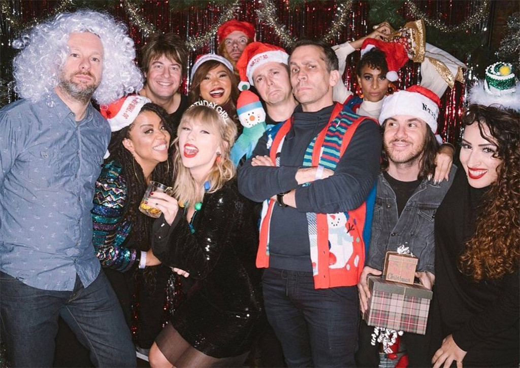 Inside Taylor Swift S 30th Birthday Party With Her Squad E Online Ap