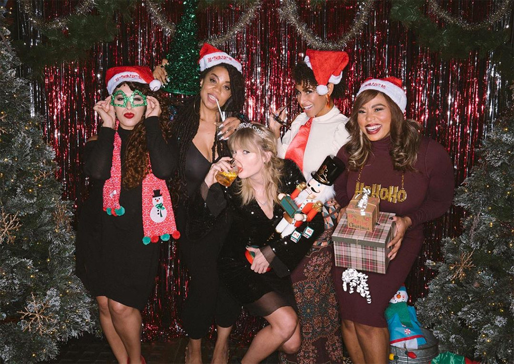 Inside Taylor Swift S 30th Birthday Party With Her Squad E Online