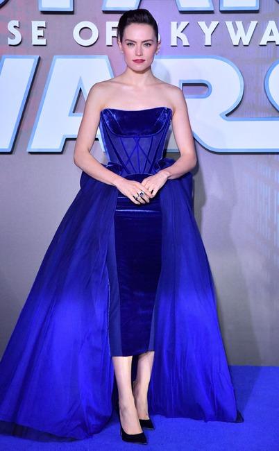 Daisy Ridley, Fashion Police Widget