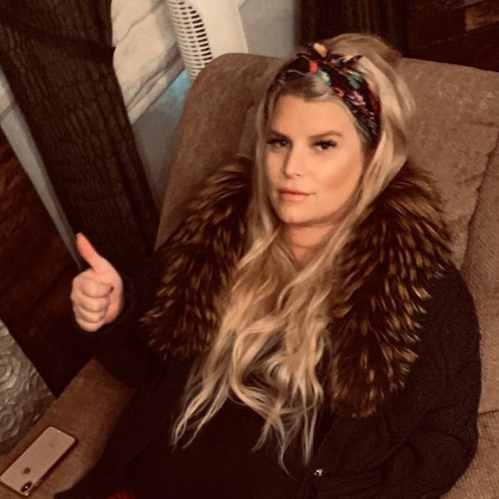 df2ab3addc1d From Swollen Feet to Breaking Toilet Seats, Jessica Simpson's Pregnancy  Struggles Are So Relatable